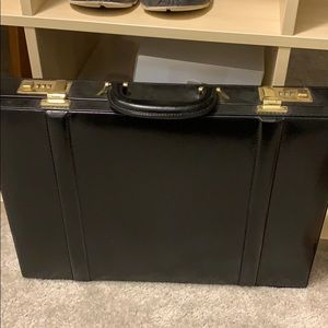 Other - Vintage suitcase